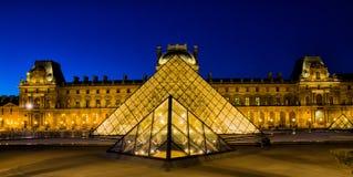 Μουσείο του Λούβρου στο Παρίσι Στοκ εικόνες με δικαίωμα ελεύθερης χρήσης