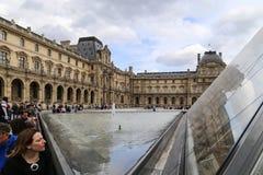 μουσείο LE louvre στο Παρίσι, Γαλλία στοκ εικόνα