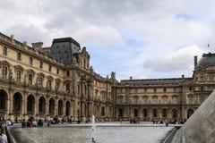 μουσείο LE louvre στο Παρίσι, Γαλλία στοκ φωτογραφία
