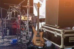 Μουσικά όργανα στη σκηνή Στοκ Εικόνες