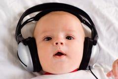 μουσική ακούσματος μωρών Στοκ Φωτογραφίες