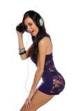 μουσική ακούσματος brunette στ Στοκ φωτογραφία με δικαίωμα ελεύθερης χρήσης