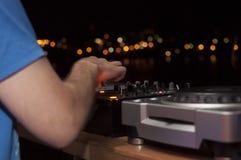 Μουσική παιχνιδιού του DJ Στοκ Εικόνες