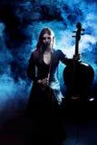 μουσικός φορέας οργάνων βιολοντσέλων βιολοντσελιστών Στοκ Φωτογραφίες