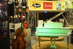 Μουσικό κατάστημα οργάνων στο Τελ Αβίβ, Ισραήλ Στοκ Φωτογραφία