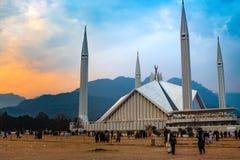 Μουσουλμανικό τέμενος Faisal στη χρυσή ώρα αμέσως πριν από το ηλιοβασίλεμα στοκ εικόνες