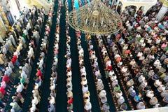 Μουσουλμάνοι στο μουσουλμανικό τέμενος για την προσευχή ήταν καθαροί Στοκ Φωτογραφία