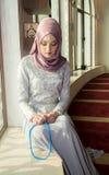 Μουσουλμανική γυναίκα στο μουσουλμανικό τέμενος Στοκ Εικόνα