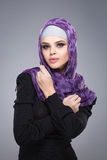 Μουσουλμανική γυναίκα στο hijab Στοκ φωτογραφία με δικαίωμα ελεύθερης χρήσης