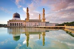 Μουσουλμανικό τέμενος πόλεων Kinabalu Kota Στοκ φωτογραφία με δικαίωμα ελεύθερης χρήσης