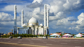 Μουσουλμανικό τέμενος σουλτάνων Hazrat, στην πόλη Astana Στοκ Εικόνες