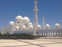 Μουσουλμανικό τέμενος του Αμπού Ντάμπι Στοκ φωτογραφία με δικαίωμα ελεύθερης χρήσης