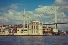 Μουσουλμανικό τέμενος Ortakoy στη Ιστανμπούλ Στοκ Εικόνες