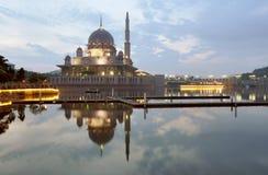 Μουσουλμανικό τέμενος Putra και Στοκ φωτογραφίες με δικαίωμα ελεύθερης χρήσης