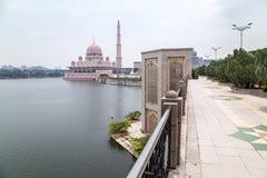 Μουσουλμανικό τέμενος Putra (Masjid Putra) Στοκ Εικόνες