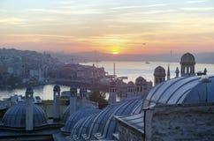 Μουσουλμανικό τέμενος Suleymaniye από την άποψη ανατολής κήπων της Ιστανμπούλ Στοκ εικόνα με δικαίωμα ελεύθερης χρήσης