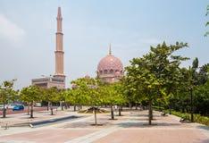 Μουσουλμανικό τέμενος & x28 Putra Masjid Putra& x29  Στοκ φωτογραφίες με δικαίωμα ελεύθερης χρήσης