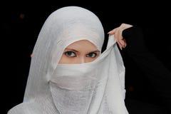 Μουσουλμανικό όμορφο κορίτσι σε Ramadan Στοκ εικόνες με δικαίωμα ελεύθερης χρήσης