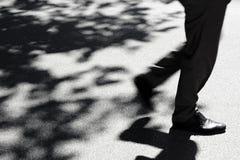 Μουτζουρωμένες πόδια και σκιές Στοκ Εικόνα