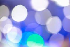 Μουτζουρωμένη εστίαση Defocused που ανάβει το μπλε υπόβαθρο αποτελεσμάτων Στοκ Φωτογραφία