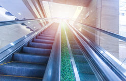 Μουτζουρωμένη σύγχρονη κυλιόμενη σκάλα Στοκ φωτογραφία με δικαίωμα ελεύθερης χρήσης