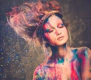 Μούσα με τη δημιουργική τέχνη σωμάτων Στοκ Φωτογραφίες