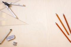 Μολύβια και εξαρτήματα ξυλάνθρακα Στοκ εικόνες με δικαίωμα ελεύθερης χρήσης