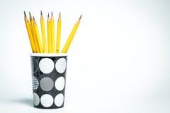 Μολύβια σε μια γραπτή κούπα Στοκ εικόνες με δικαίωμα ελεύθερης χρήσης