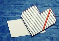 Μολύβια σε μια μορφή καρδιών με τη θέση για το κείμενο Στοκ Εικόνες