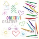 Μολύβια χρώματος με τα σχέδια παιδιών και κείμενο δημιουργικό Στοκ Φωτογραφίες