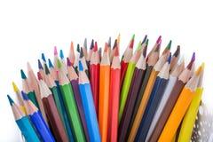 Μολύβια χρώματος του διάφορου χρώματος Στοκ εικόνες με δικαίωμα ελεύθερης χρήσης