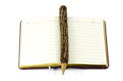 Μολύβι και βιβλίο. Στοκ εικόνες με δικαίωμα ελεύθερης χρήσης