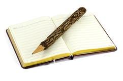 Μολύβι και βιβλίο. Στοκ φωτογραφίες με δικαίωμα ελεύθερης χρήσης