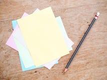 Μολύβι και σημείωση Στοκ Φωτογραφία