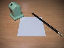 Μολύβι και σημειωματάριο Στοκ φωτογραφία με δικαίωμα ελεύθερης χρήσης