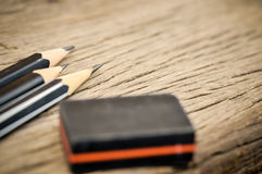 Μολύβι μετά από τα ξέσματα και τη γόμα στοκ φωτογραφία με δικαίωμα ελεύθερης χρήσης