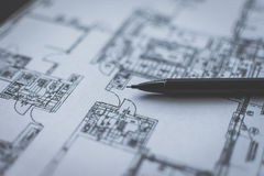 Μολύβι που βρίσκεται στο τεχνικό σχέδιο Στοκ εικόνα με δικαίωμα ελεύθερης χρήσης