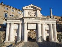 Μπέργκαμο, η παλαιά πόλη Μια από την όμορφη πόλη στην Ιταλία Lombardia Τοπίο στην παλαιά πύλη που ονομάζεται Porta SAN Giacomo Στοκ Εικόνα