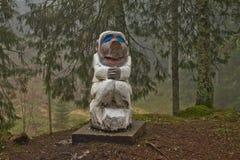 Μπέργκεν, Νορβηγία - 8 Μαρτίου 2012: ξύλινη φρουρά πλασμάτων γλυπτών μυθική του δασικού μύθου Στοκ Εικόνες