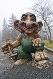Μπέργκεν, Νορβηγία - 8 Μαρτίου 2012: τεράστια γιγαντιαία troll ξύλινη φρουρά πλασμάτων γλυπτών μυθική του δάσους Βίκινγκ Στοκ εικόνες με δικαίωμα ελεύθερης χρήσης