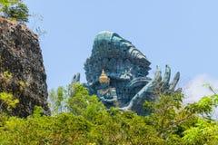 Μπαλί, Ινδονησία - 10 ΟΚΤΩΒΡΊΟΥ 2018 Άγαλμα Wisnu Kencana Garuda στοκ φωτογραφίες
