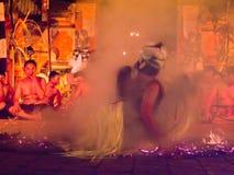 ΜΠΑΛΙ, ΙΝΔΟΝΗΣΙΑ - 14 ΜΑΐΟΥ: Παρουσίαση του παραδοσιακού από το Μπαλί Φ Στοκ Εικόνες