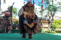 ΜΠΑΛΙ, ΙΝΔΟΝΗΣΙΑ - 5 ΜΑΐΟΥ 2017: Χορός Barong στο Μπαλί, Ινδονησία Το Barong είναι ένας θρησκευτικός χορός στο Μπαλί βασισμένο στ Στοκ Εικόνα