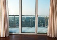 μπαλκόνι στα Windows Στοκ εικόνα με δικαίωμα ελεύθερης χρήσης