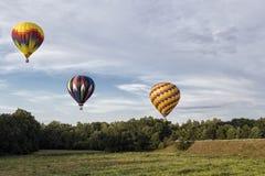 Μπαλόνια ζεστού αέρα πέρα από τον ουρανό στοκ φωτογραφίες με δικαίωμα ελεύθερης χρήσης