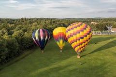 Μπαλόνια ζεστού αέρα πέρα από τον ουρανό στοκ φωτογραφία με δικαίωμα ελεύθερης χρήσης