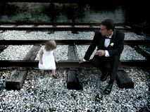 Μπαμπάς και κόρη στοκ εικόνα με δικαίωμα ελεύθερης χρήσης