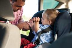 Μπαμπάς με το γιο στοκ φωτογραφίες με δικαίωμα ελεύθερης χρήσης