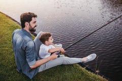 Μπαμπάς με το γιο Στοκ φωτογραφία με δικαίωμα ελεύθερης χρήσης