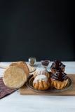 Μπαμπάδες ρουμιού & x28 ρούμι cakes& x29  Στοκ φωτογραφίες με δικαίωμα ελεύθερης χρήσης